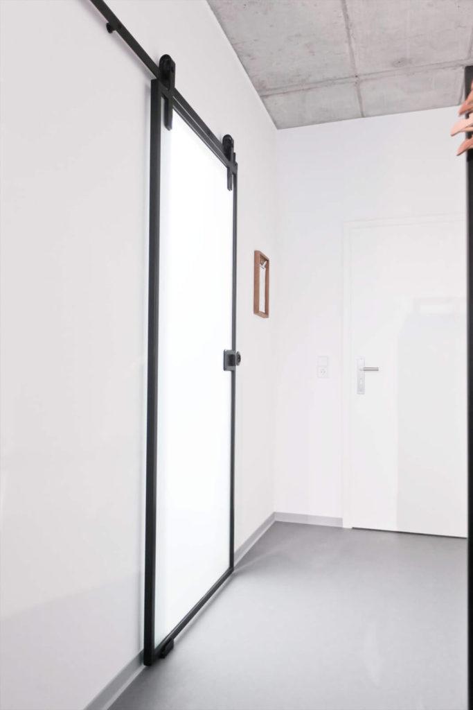 Stahl Loft Türen, Loft Türen, Lofttür Stahl, Loft Glastüren, Windfang, Windfangtür, Glas Loft Wand, Stahl Glas Wand, Office Trennwand, Büro Wand, Schlafzimmertrennwand, Bauhaus Wand, Bauhaustür, Schlaffzimmerwand, Loft Wand, Schiebetür