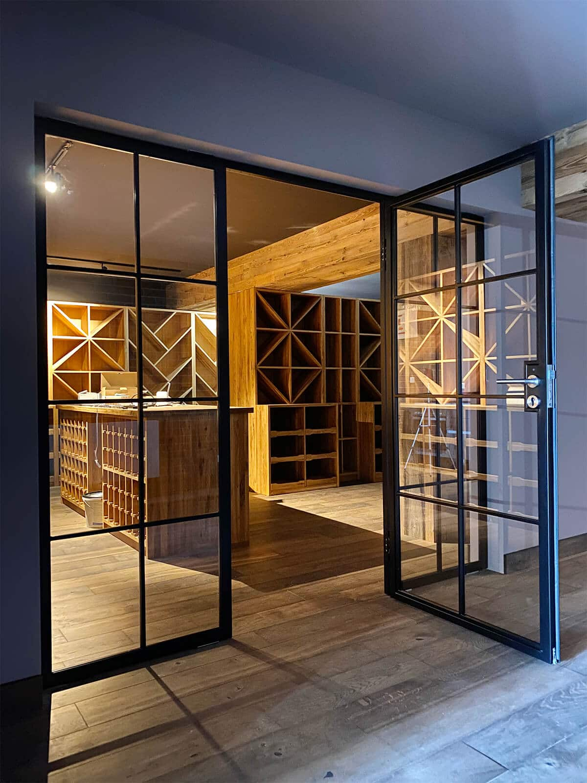 N51E12 Stahl Loft Tür, Glastrennwand, Windfang, Lofttür, Raumtrenner, Stahltür, Glastür, Bauhaustür, Bauhaus, Loft, Design, Design-Loft, Weinkeller, Einbau