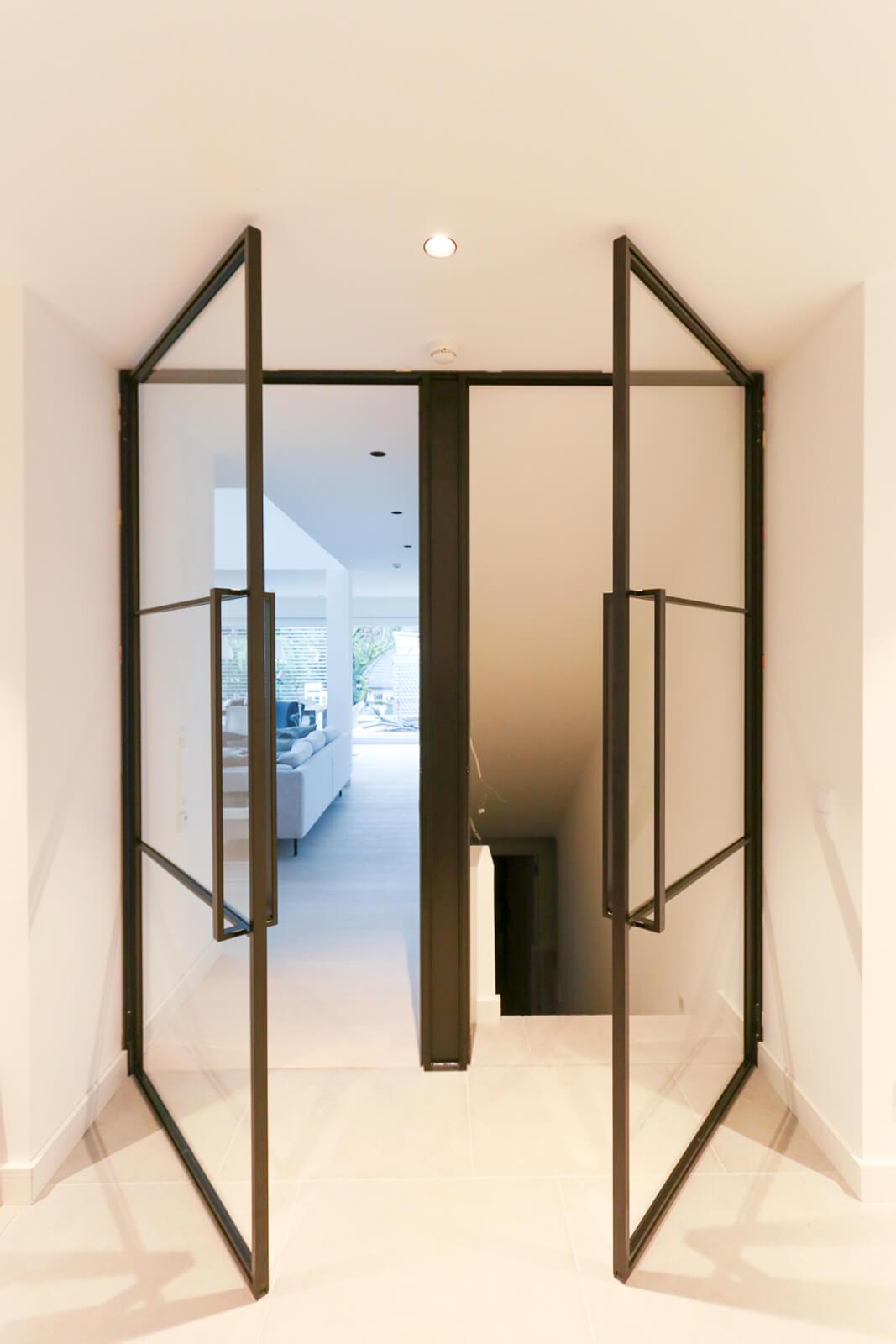 N51E12 Stahl Loft Tür, Drehtür, Doppeltür, Glastür, Stahltür, Stahlrahmen, Windfang, Raumtrenner, Industrial Door, Loftdoor, Steeldoor, Designtür, Glastür, Bauhaustür, Bauhaus Design