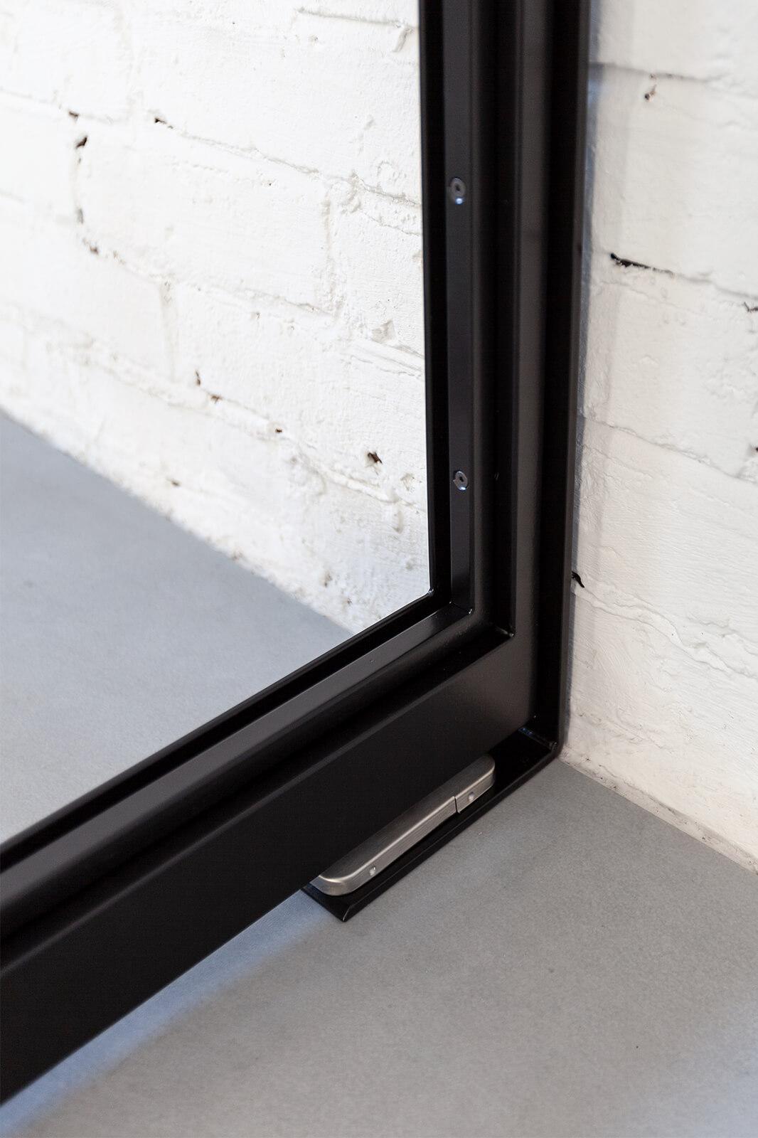 Loft Stahl, Loftstahl, N51E12, Stahl Loft Tür, Pivot, Schwingtür, Pivottür, Pivottür Aufnahme, Designtür