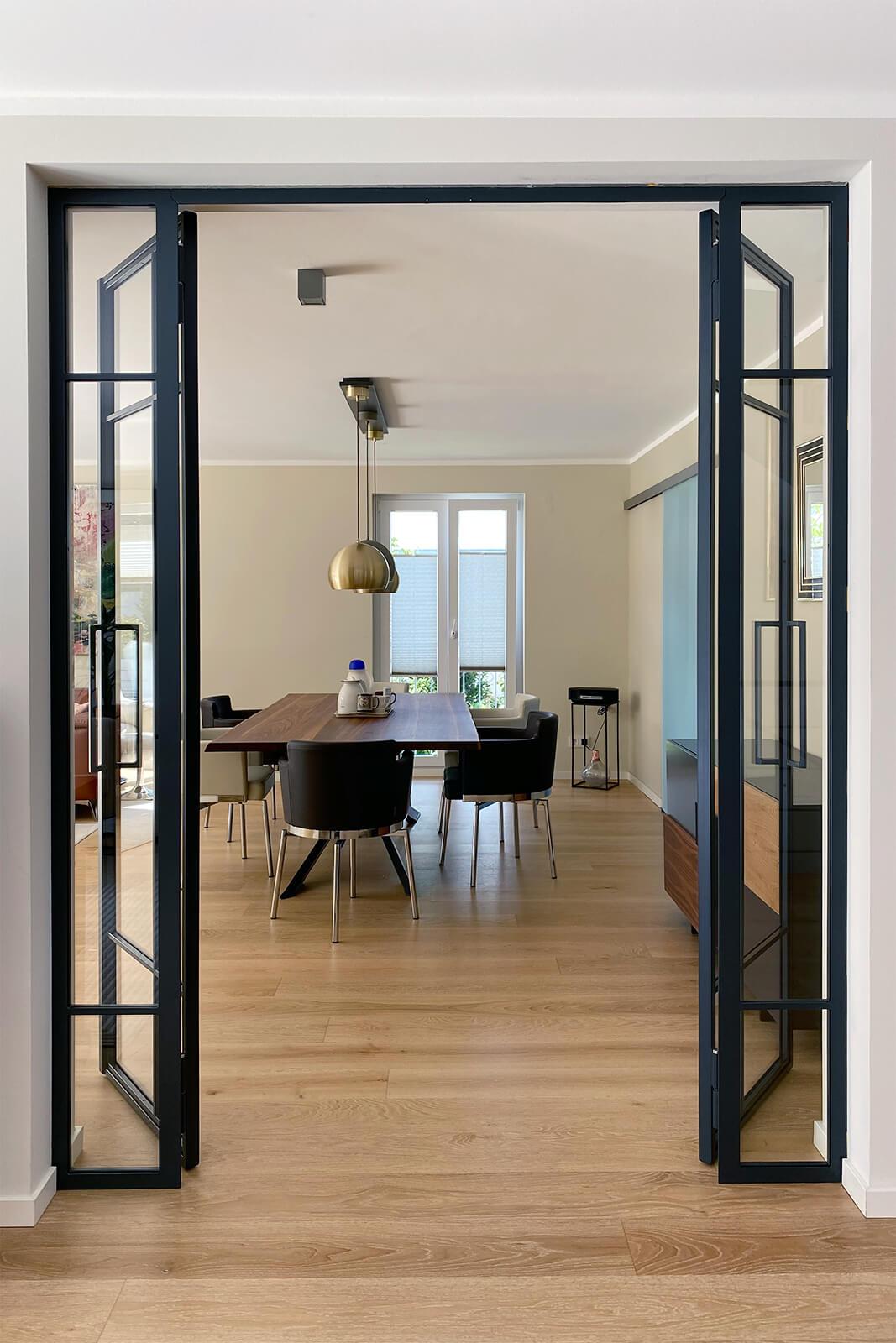 Loftstahl, Loft-Stahl.de - Doppel Drehtür, Designtür, Stahl Loft Tür, Windfang, Glastrennwand, Designtür