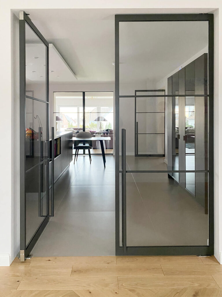 Loftstahl N51E12 Design Stahl Tür , Stahl Loft Tür , Schwingtür, Pivottür, Glastrennwand, Windfang, Designtür, Loftdoor, Steeldoor, industrial Door