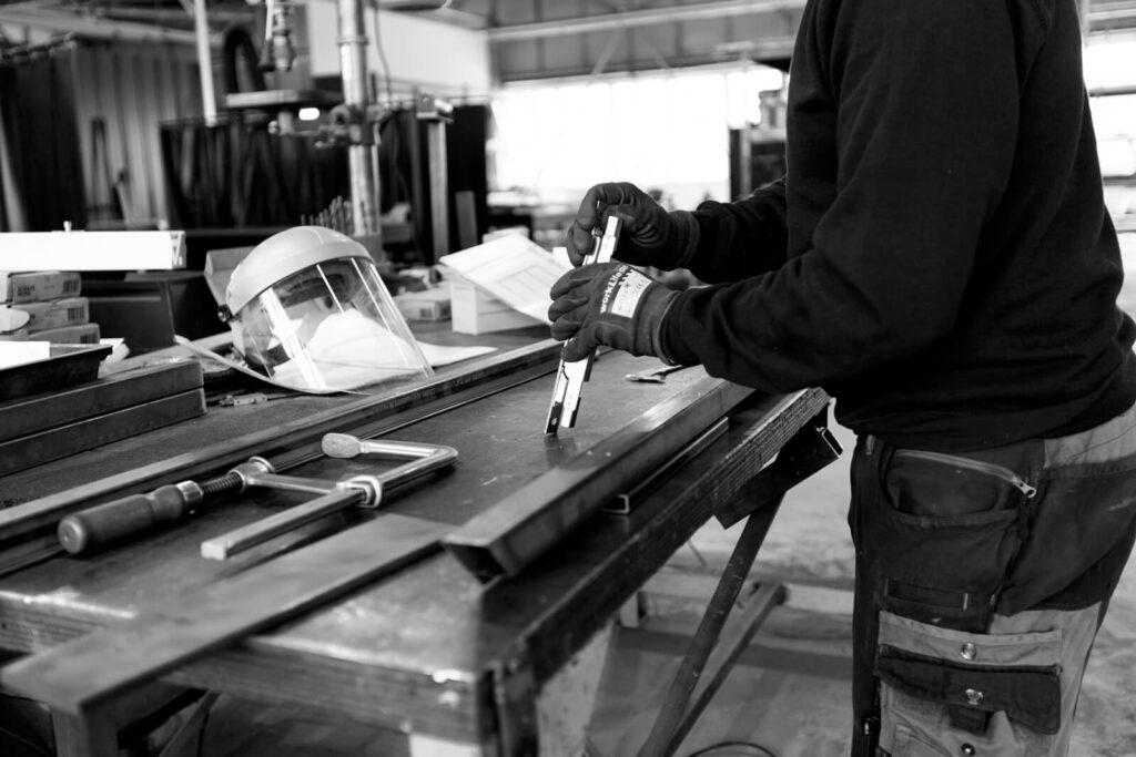 Loftstahl, Loft-stahl.de, N51E12, Produktion, Dessau, Stahlbau, Werk, Bauhaus, Stahlrahmen, Metallbau, Stahl Loft Tür