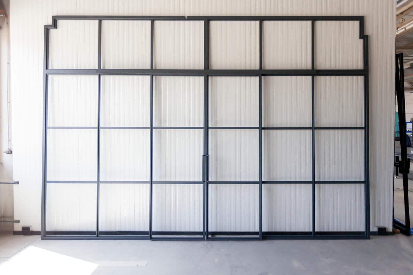 Loftstahl N51E12 Stahl Loft Tür, Glastrernnwand mit Schiebetür, Doppeltür, Windfang, Lofttür, Bauhaus Tür, Glaswand, Raumtrenner, Loftdoor, steeldoor, industrial door, Glaswand